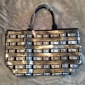 NEW WITH TAGS VICTORIA SECRET OVERNIGHT BAG